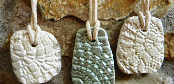 Medaglioni in Argilla Realizzati a Mano
